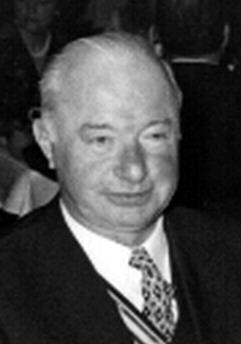 Hauptmann Dr. <b>Horst Gebauer</b>, Chef der II Abteilung im AR 162, setzte seine ... - Horst_GEBAUER